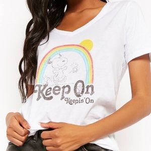 "Peanuts Snoopy shirt ""Keep On"" 🌈 size Medium"
